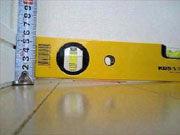 マンション内覧会で床の水平をチェックする方法